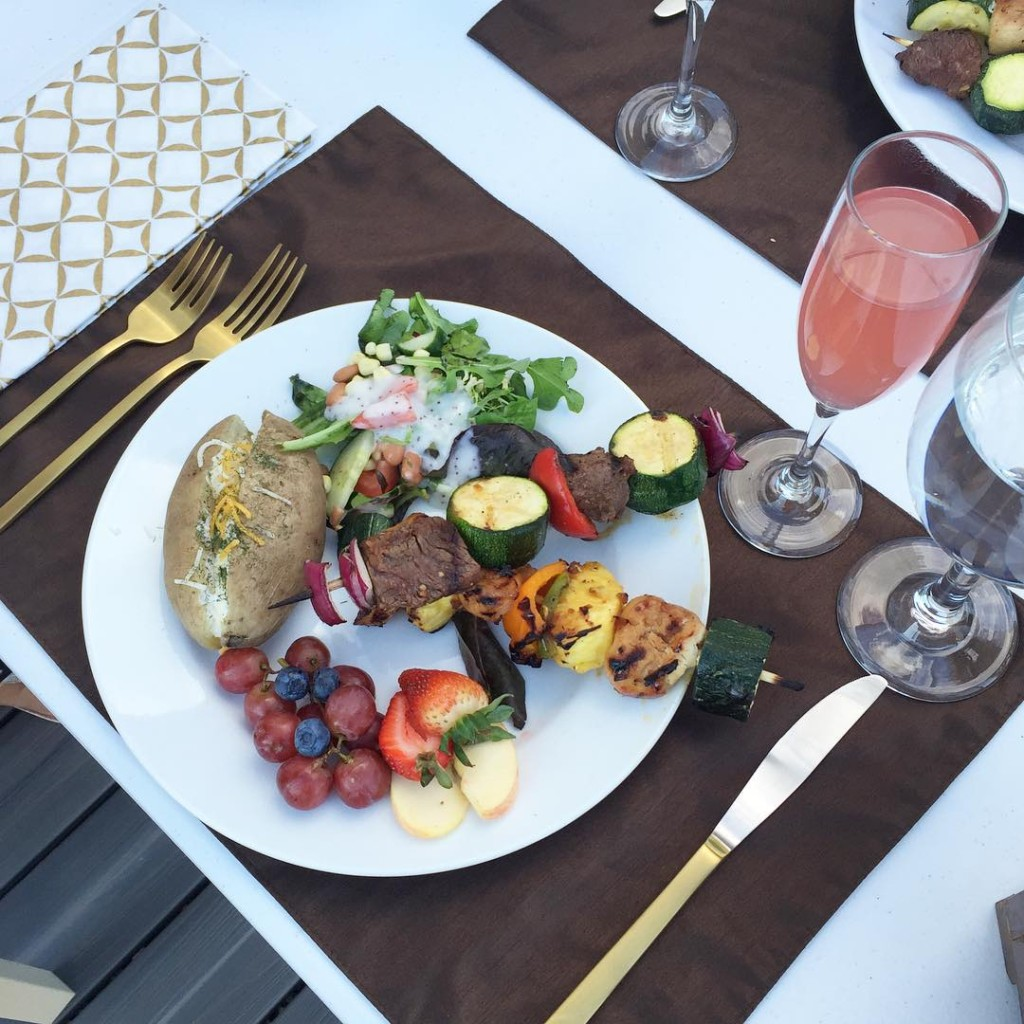 This is easily the most delicious grilled meal we've made all summer. On the menu were potatoes, salad, fresh fruit, steak and chicken kebobs. Thanks Marvin, for creating the most beautiful plate!!! @sandyalamode #dinnerwithfriends