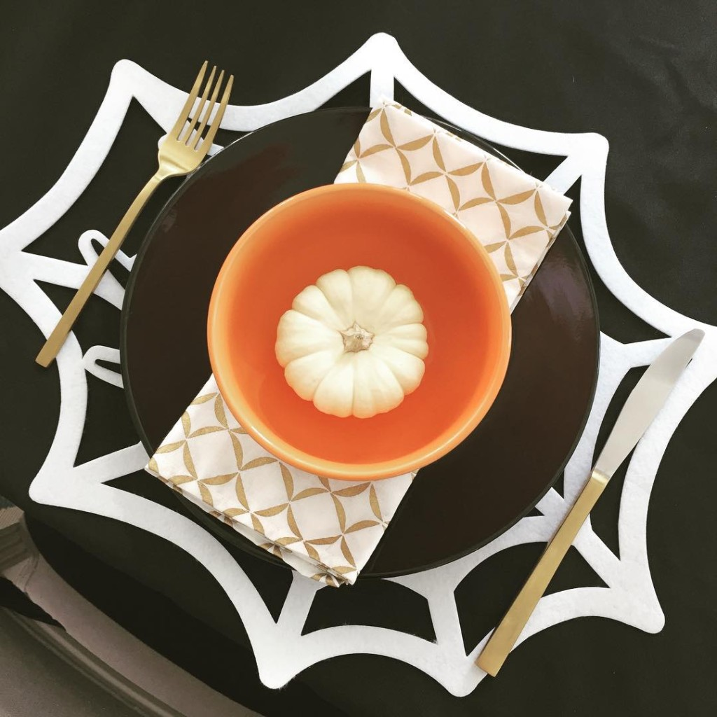 I just love Halloween so, so much! Check out this gorgeous $3 place setting! The spider placemat, black plate and orange bowl all found at the @dollartree! #bargainshopper #Halloween